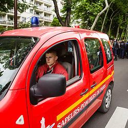 Suivi du dispositif des sapeurs-pompiers répartis dans les modules de la BSPP (MIP) permettant d'assurer une intervention rapide des secours aux parisiens, manifestants et forces de l'ordre lors de l'acte 27 des manifestations de gilets jaunes le 18 mai 2019.<br /> Mai 2019 / Courbevoie (92) & Paris (75) / FRANCE Voir le reportage complet (120 photos) https://sandrachenugodefroy.photoshelter.com/gallery/2019-05-Sapeurs-pompiers-de-Paris-lors-des-GJ-acte-27-Complet/G0000uAl4raatUVQ/C0000yuz5WpdBLSQ