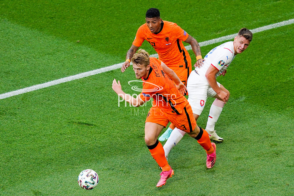 Lukas Masopust of Czech Republic battles for possession with Matthijs de Ligt of the Netherlands and Patrick van Aanholt of the Netherlands during the UEFA Euro 2020, Round of 16 football match between Netherlands and Czech Republic on June 27, 2021 at Puskas Arena in Budapest, Hungary - Photo Andre Weening / Orange Pictures / ProSportsImages / DPPI