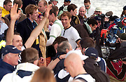 Putney, London, ENGLAND, 02.04.2006, Oxford celebrate, 2006, Varsity,Boat Race, Oxford vs Cambridge,  © Peter Spurrier/Intersport-images.com.[Mandatory Credit Peter Spurrier/ Intersport Images] 2006, Varsity Boat Race,  Varsity, Boat race. Rowing Course: River Thames, Championship course, Putney to Mortlake 4.25 Miles