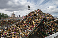 the end of love... locks.  story. PR594A