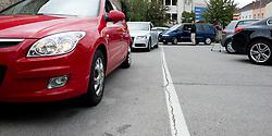 30.09.2010, Waschstrasse Ungarviertel, Wiener Neustadt, AUT, 1. FBL, PR Autowaschaktion SC Magna Wiener Neustadt, im Bild Autoschlange vor Waschen, EXPA Pictures 2010, PhotoCredit: EXPA/ S. Trimmel