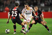 Fotball<br /> Frankrike<br /> Foto: DPPI/Digitalsport<br /> NORWAY ONLY<br /> <br /> FOOTBALL - UEFA CUP 2008/2009 - 1ST ROUND - 2ND LEG - 02/10/2008 - PARIS SG v KAYSERISPOR - ABDULLAH DURAL (KAY) / JEROME ROTHEN / SYLVAIN ARMAND (PSG)