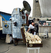 Nijmegen, 12-7-2014Eetkraampje op festival De Kaaij tijdens de zomerfeesten, 4 daagse.popcornmachine.FOTO: FLIP FRANSSEN/ HOLLANDSE HOOGTE