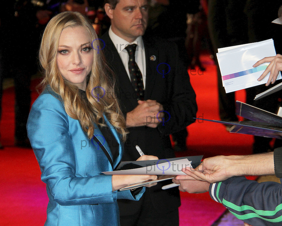 Amanda Seyfried In Time UK Premiere, Curzon Mayfair cinema, London, UK, 31 October 2011:  Contact: Rich@Piqtured.com +44(0)7941 079620 (Picture by Richard Goldschmidt)