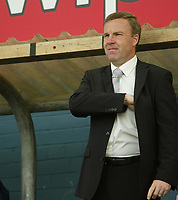 Photo: Aidan Ellis.<br /> Oldham Athletic v Swansea City. Coca Cola League 1. 22/04/2006.<br /> Kenny Jackett before the kick off