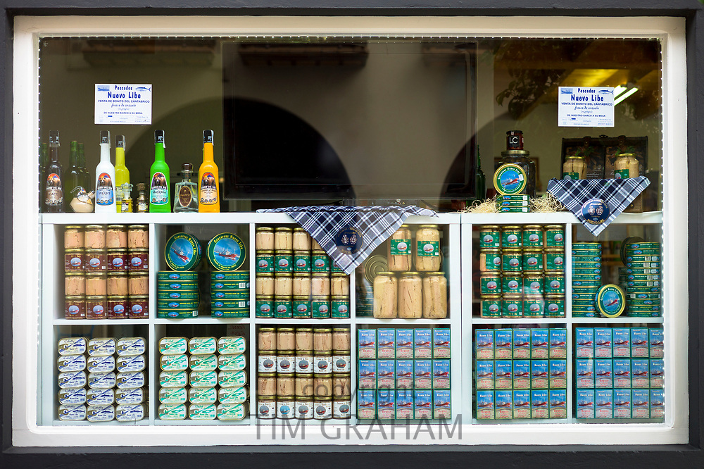 Canned tuna fish and anchovy, Pescados Nuevo Libe, in shop in Calle Santander in Santona, Cantabria, Northern Spain