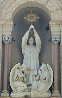 Church Statue in Buenos Aires. Images taken with a Leica V-Lux 20 camera (ISO 80, 45.7 mm, f/4.8. 1/160 sec)