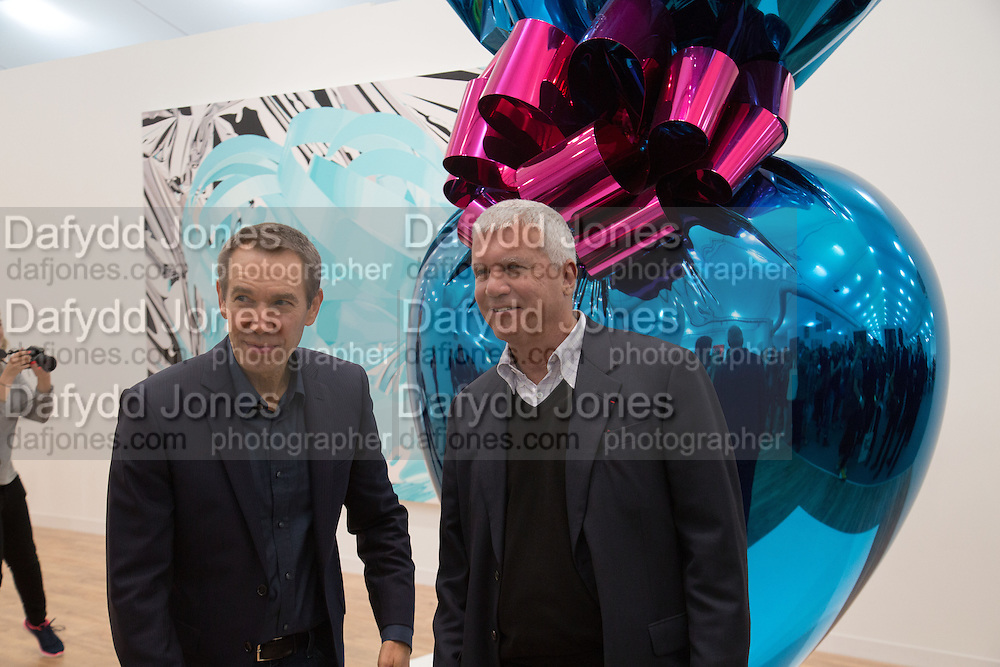 JEFF KOONS; LARRY GAGOSIAN  Frieze. Regent's Park. London. 17 October 2013
