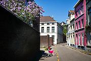 Studente studeert in de Barrestraat