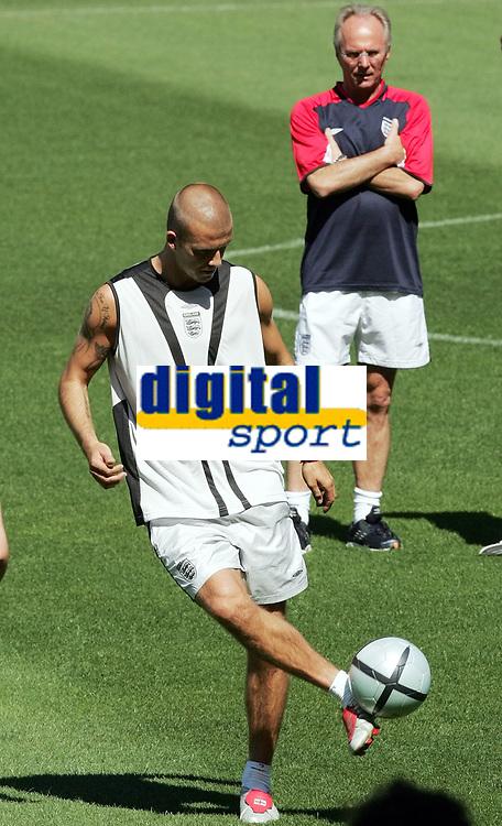 Englands David Beckham und Trainer Sven Goran Eriksson. © Valeriano Di Domenico/EQ Images