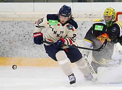 01.09.2013, Albert Schultz Eishalle, Wien, AUT, European Trophy, UPC Vienna Capitals vs Linkoepings HC, im Bild Erik Lindhagen, (Linkoepings HC, #29) und Matt Zaba, (UPC Vienna Capitals, #1)  // during the European Trophy Icehockey match betweeen UPC Vienna Capitals (AUT) vs Linkoepings HC (SWE) at the Albert Schultz Eishalle, Vienna, Austria on 2013/09/01. EXPA Pictures © 2013, PhotoCredit: EXPA/ Thomas Haumer
