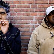 Nederland Rotterdam 12 maart 2007  20070312.Allochtone minderjarige jongeren roken een blowtje .Foto David Rozing