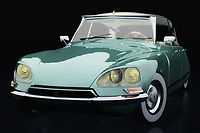 The Citroën DS-23 Injection Pallas certainly has its own idiosyncratic and progressive design. With the Citroën DS-23 Injection Pallas, Citroën has introduced so many innovations that have changed the automotive world dramatically.
