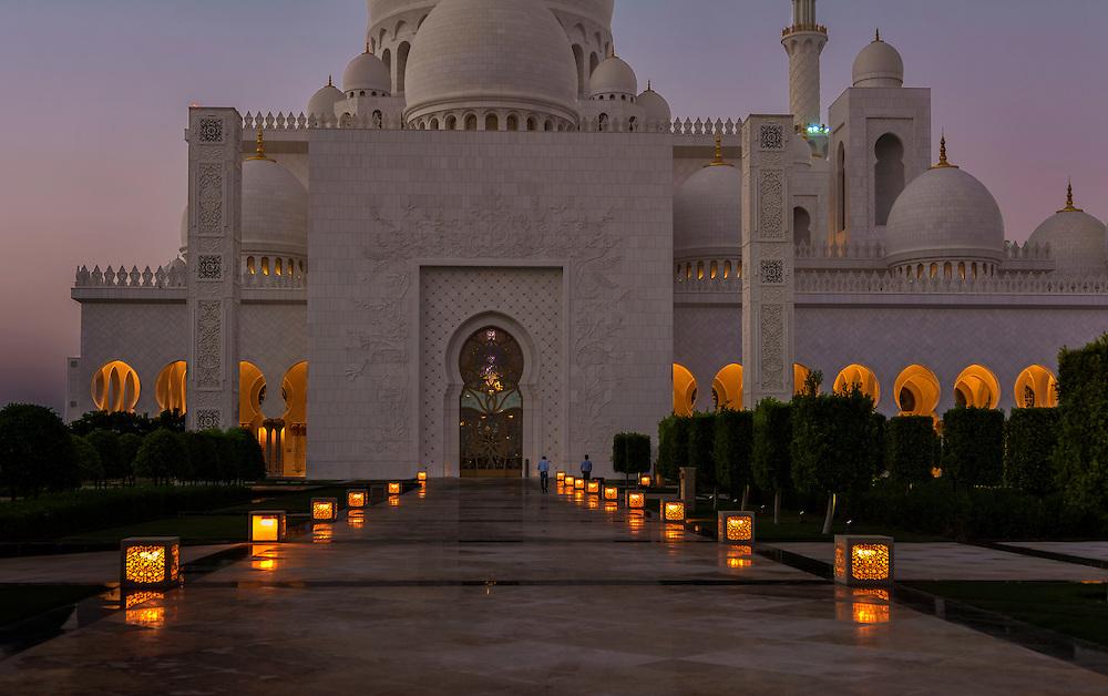 Sheikh Zayed Grand Mosque, Abu Dhabi, UAE.