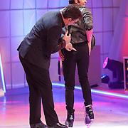 NLD/Hilversum/20130105 - 2de Liveshow Sterren Dansen op het IJs 2013, Paul Turner en schaatspartner Scarlett Rouzet