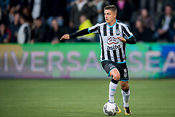 Kristoffer Peterson of Heracles Almelo during the Dutch Eredivisie match between Heracles Almelo and Feyenoord Rotterdam at Polman stadium on September 09, 2017 in Almelo, The Netherlands
