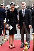 Prinsjesdag 2013 - Aankomst Parlementariërs bij de Ridderzaal op het Binnenhof.<br /> <br /> Op de foto:  Ronald Plasterk - Minister van Binnenlandse Zaken en Koninkrijksrelaties en partner