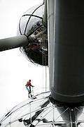 BRUSSELS, BELGIUM - 23/08/2005 - ARTS / CULTURE, The atomium, Belgium's national symbol built for the EXPO 58, is being renovated. ( PHOTO © Christophe VANDER EECKEN )