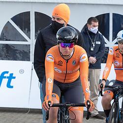 11-03-2021: Wielrennen: Healthy Ageing Tour: Lauwersoog  <br />Bente van Teeseling