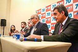"""PORTO ALEGRE, RS, BRASIL, 15-03-2018, 20h22'16"""":  O empresário Rubens Rebés e o advogado Tomaz Schuch são os novos dirigentes do AVANTE, no RS. A posse da direção estadual do partido contou com a presença do Deputado Federal e presidente nacional, Luís Tibê (MG), e ocorreu na noite de quinta-feira (15/3) no Hotel Intercity. AVANTE é um partido político brasileiro, fundado como Partido Trabalhista do Brasil (PTdoB) por dissidentes do Partido Trabalhista Brasileiro (PTB), em 1989. Seu número eleitoral é o 70. O novo nome, criado a partir do desejo das pessoas que lutam por um país que segue em frente, se aproxima ainda mais dos verdadeiros objetivos do partido, alicerçado ao longo de sua história e atrelado aos novos pilares: compromisso, prosperidade, humanidade, coletividade, diálogo, transparência e liberdade. (Foto: Gustavo Roth / Agência Preview) © 15MAR18 Agência Preview - Banco de Imagens"""