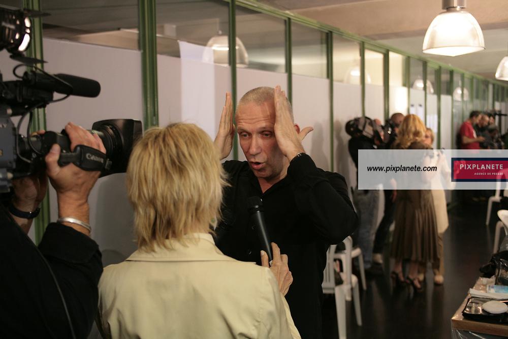 Le designer - Backstage Jean Paul Gaultier - Le 4/7/2007 - JSB / PixPlanete