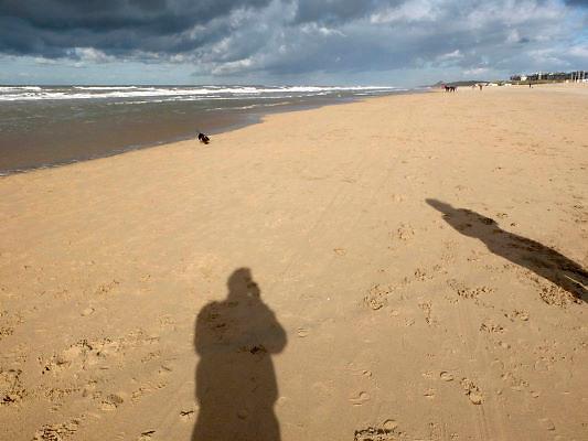 Nederland, Katwijk, 28-10-2012Het strand met een dreigende lucht, regen op zee.Foto: Flip Franssen/Hollandse Hoogte