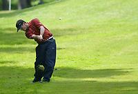 Photograph: Scott Heavey, Digitalsport<br />Volvo PGA Championship At Wentworth Club. 24/05/2003.<br />Henrik Bjørnstad chips on to the 13th green.