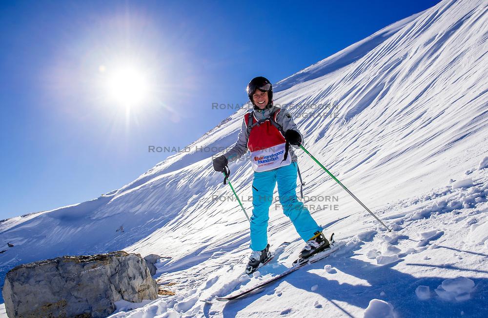 27-01-2017 AUT: BvdGF wintersportkamp dag 3, Obertauern<br /> Het 7de jaar wintersportkamp van de BvdGF is verhuisd naar Obertauern. Prachtige pistes, geweldig jeugdhotel en fantastisch weer maakt er weer een onvergetelijk kamp van / Ellen