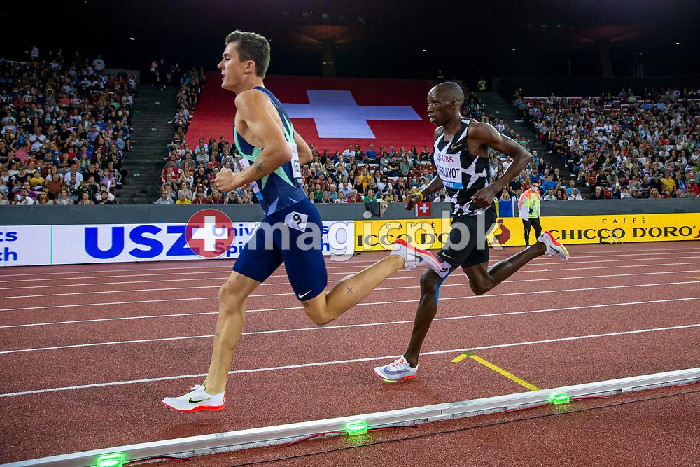 Timothy Cheruiyot (R) of Kenya on his way winning the 1500m Men during the Iaaf Diamond League meeting (Weltklasse Zuerich) at the Letzigrund Stadium in Zurich, Switzerland, Thursday, Sept. 9, 2021. (Photo by Patrick B. Kraemer / MAGICPBK)