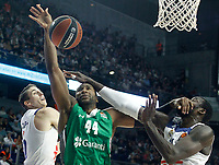 Real Madrid's Jaycee Carroll (l) and Othello Hunter (r) and Darussafaka Dogus Istambul's Marcus Slaughter during Euroleague, playoffs, Game 2. April 21, 2017. (ALTERPHOTOS/Acero)