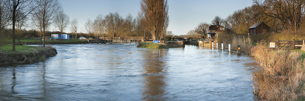Dawn on the River Thames at Northmoor Lock and Weir in Oxfordshire, Uk