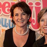 NLD/Amsterdam/20150201 - Premiere Heerlijk duurt het Langst, Annemieke Ruyten en zus