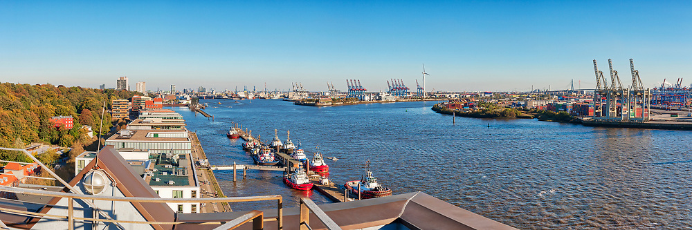 Panoramic view of harbor and buildings on River Elbe, Hamburg, Germany, Europe