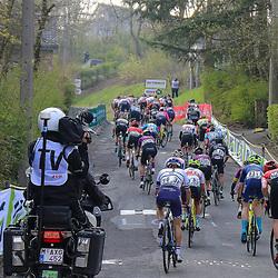21-04-2021: Wielrennen: Waalse Pijl Elite Women: Huy <br />Peloton on the Mur de Huy