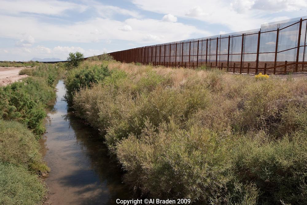 Border Fence on Rio Grande near Fabens, TX Border Wall.