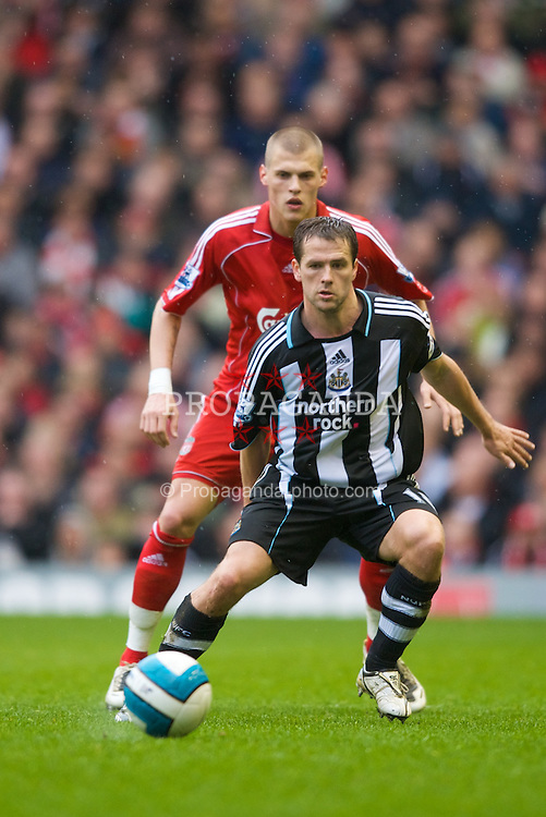 LIVERPOOL, ENGLAND - Saturday, March 8, 2008: Liverpool's Martin Skrtel and Newcastle United's Michael Owen during the Premiership match at Anfield. (Photo by David Rawcliffe/Propaganda)
