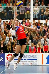20150425 NED: Eredivisie VC Sneek - Eurosped, Sneek<br />Monique Volkers (12) of VC Sneek<br />©2015-FotoHoogendoorn.nl / Pim Waslander
