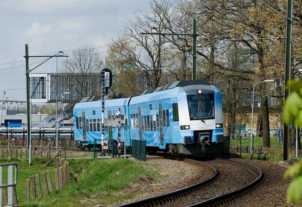 Nederland, Veenendaal, 23 april 2010.Valleilijn, treinverbinding tussen Wageningen en Veenendaal van connexxion..Foto (c)  Michiel Wijnbergh