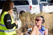 Iris Slappendel praat met haar trainer bij de kwalificaties op maandagmorgen. Het Human Power Team Delft en Amsterdam, dat bestaat uit studenten van de TU Delft en de VU Amsterdam, is in Amerika om tijdens de World Human Powered Speed Challenge in Nevada een poging te doen het wereldrecord snelfietsen voor vrouwen te verbreken met de VeloX 7, een gestroomlijnde ligfiets. Het record is met 121,44 km/h sinds 2009 in handen van de Francaise Barbara Buatois. De Canadees Todd Reichert is de snelste man met 144,17 km/h sinds 2016.<br /> <br /> With the VeloX 7, a special recumbent bike, the Human Power Team Delft and Amsterdam, consisting of students of the TU Delft and the VU Amsterdam, wants to set a new woman's world record cycling in September at the World Human Powered Speed Challenge in Nevada. The current speed record is 121,44 km/h, set in 2009 by Barbara Buatois. The fastest man is Todd Reichert with 144,17 km/h.