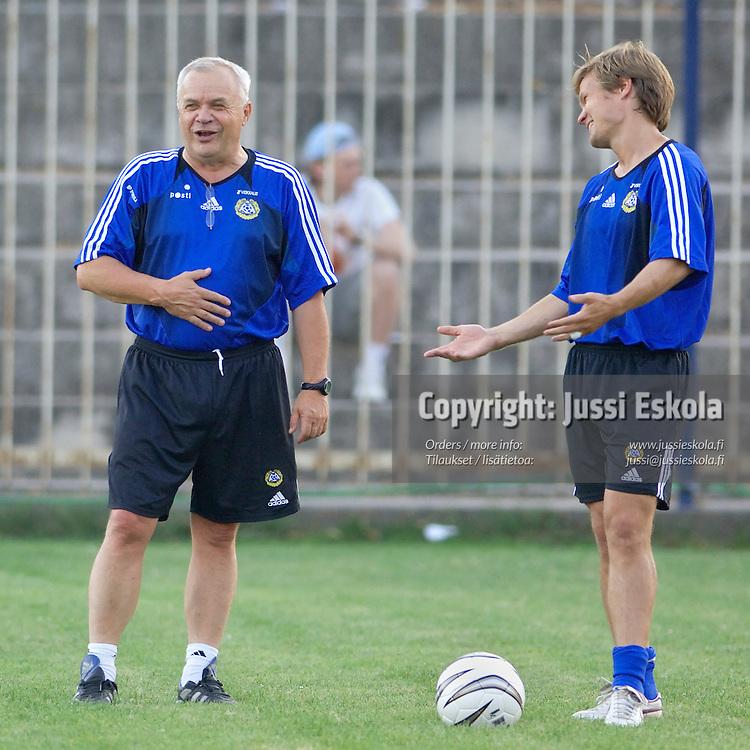 Jyrki Heliskoski, Joonas Kolkka.&#xA;Suomen A-maajoukkueen harjoitukset, Skopje, Makedonia 17.8.2006.&#xA;Photo: Jussi Eskola<br />