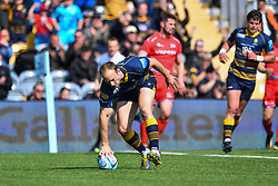 Chris Pennell of Worcester Warriors scores his sides second try - Mandatory by-line: Craig Thomas/JMP - 13/04/2019 - RUGBY - Sixways Stadium - Worcester, England - Worcester Warriors v Sale Sharks - Gallagher Premiership Rugby