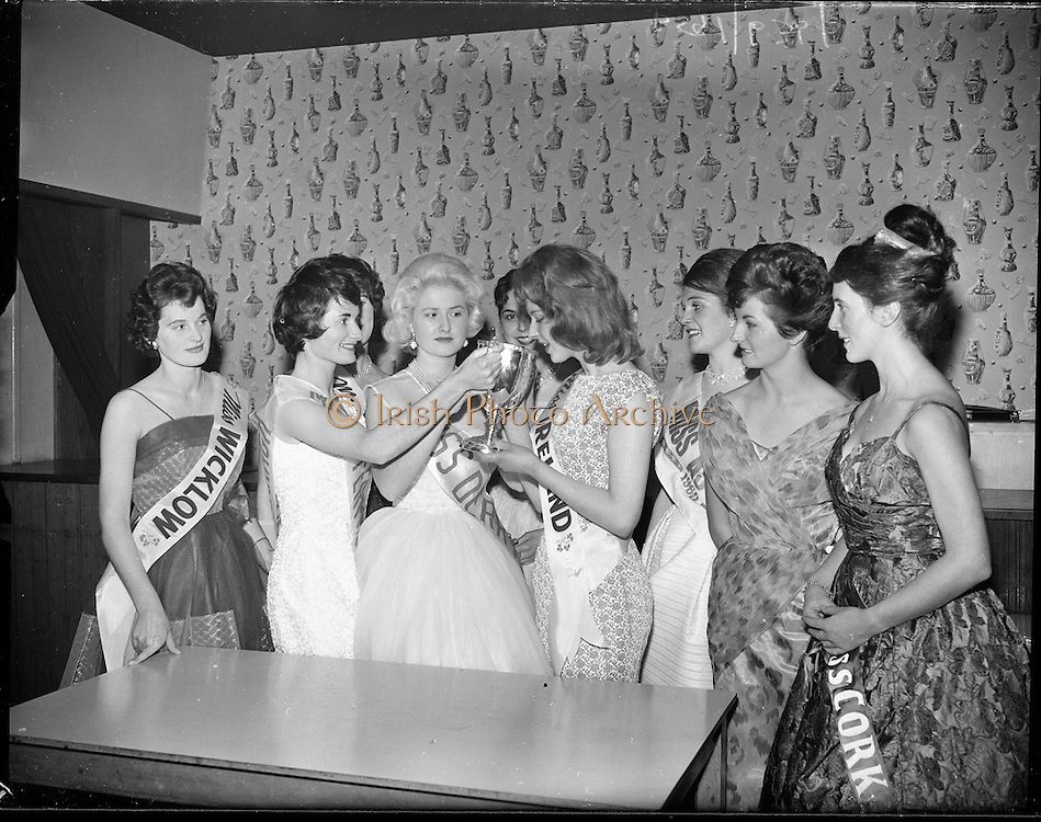 Miss Ireland Finalists at the Four Provinces Ballroom..09.10.1960
