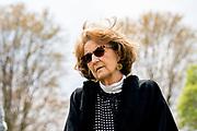 GROESBEEK, 03-05-2021, Canadese Oorlogsbegraafplaats<br /> <br /> Prinses Margriet tijdens een bezoek gebracht aan de fototentoonstelling 'The Faces of Groesbeek' op de Canadese Oorlogsbegraafplaats in Groesbeek. De fototentoonstelling is een initiatief van de Stichting Faces to Graves. FOTO: Brunopress/POOL/Jeroen Meeuwsen