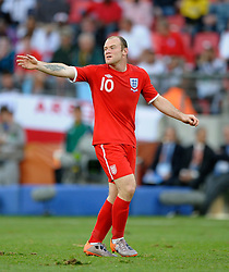 23.06.2010, Nelson Mandela Bay Stadium, Port Elizabeth, RSA, FIFA WM 2010, Slovenia (SLO) and England (ENG), im Bild Wayne Rooney of England gestures and throws his arms out. EXPA Pictures © 2010, PhotoCredit: EXPA/ IPS/ Marc Atkins / SPORTIDA PHOTO AGENCY