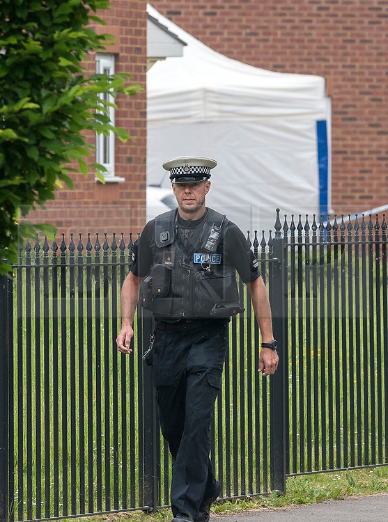 © Licensed to London News Pictures. 28/05/2018. Gloucester, UK. Police and forensics at the scene of a double murder in Dexter Way.  A 31 year old woman and 11 year old girl found dead at a house, and 28 year old man has been arrested on suspicion of murder. Photo credit: Simon Chapman/LNP