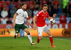October 9, 2017 - Cardiff, Pays de Galles - Wales' Andy King in action with Republic of IrelandÃ•s Robbie Brady (Credit Image: © Panoramic via ZUMA Press)