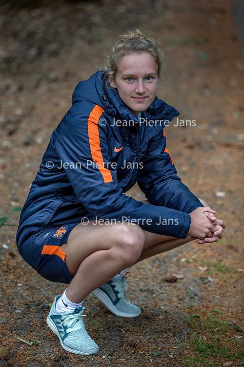 Nederland, Zeist, 6 juni 2017.<br />Vivianne Miedema  is een Nederlands voetbalster die sinds juni 2017 speelt voor Arsenal LFC in de Super League. Eerder speelde ze voor sc Heerenveen en Bayern München. Als international komt Miedema sinds 2013 uit voor het Nederlands vrouwenvoetbalelftal. Miedema is een veelscorende spits.<br /><br /><br /><br />Foto: Jean-Pierre Jans