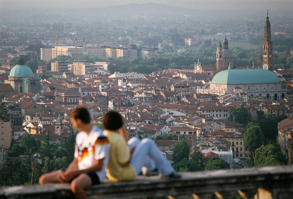 29 JUN 1996 - Vicenza - Veduta da Monte Berico.