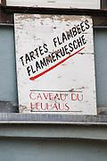 tartes flambees flammekuesche caveau du heuhaus eguisheim alsace france