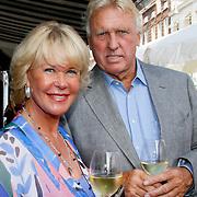 NLD/Amsterdam/20100708 - Presentatie juwelen Sheila de Vries bij MK Jewelry, Sheila de Vries en partner Tom de Vries